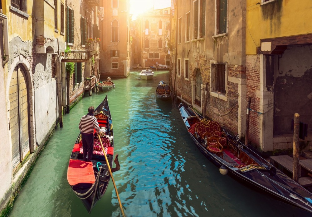 Gondola rides in Venice canals aren't always calm and relaxing